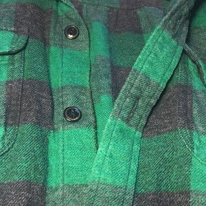 Madewell Tops - Madewell green and black flannel